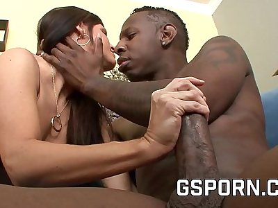 A big black cock close to be hung up on an obstacle XXX milf India Summer