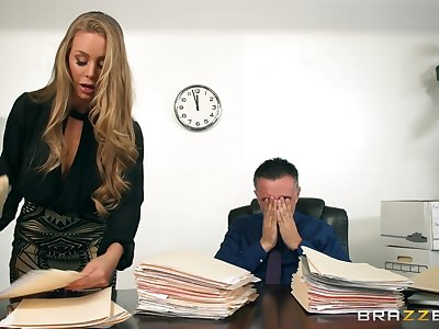 Gorgeous blonde gets intimate with her boss