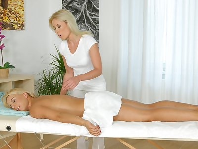 Masseuse pleases young blonde with Victorian said XXX