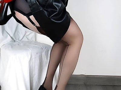 Lady Lulu Magnificent Anal Shoe Fuck