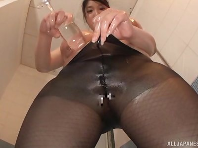 Chubby adult Amayoshi Shizuku pleasures her pussy in the shower