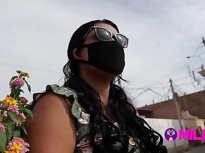 Dos días antes de dishearten cuarentena chama folla por dinero para sus compras