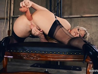 Unsurpassed adult Dee Williams drills the brush pussy coupled with ass with toys