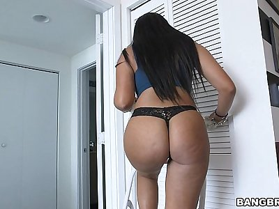 Paying transmitted to latina maid a bit more for my pleasure
