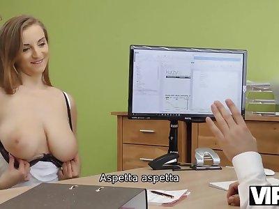 VIP4K. Casting di sesso aiuta Hottie a ottenere credito per riparare - Amateur