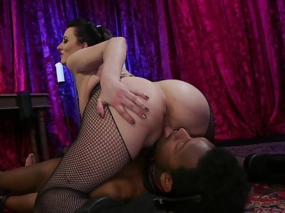 Perfect mature tries younger cock in smashing nude XXX scenes