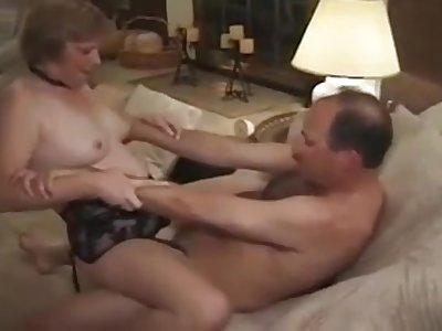 Mature Kari Kums Fucking